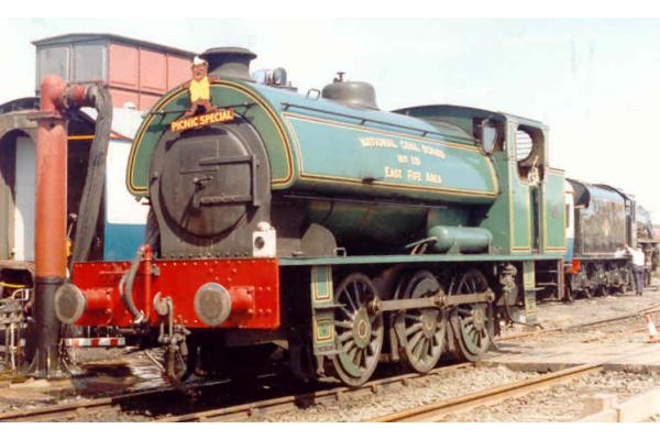 0-6-0ST National Coal Board Area 7 East Fife No.19 locomotive picture