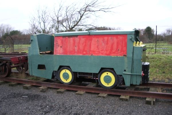 4w diesel mechanical locomotive, Edmund Nuttall contractors